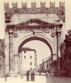 Arco augusto, Rimini